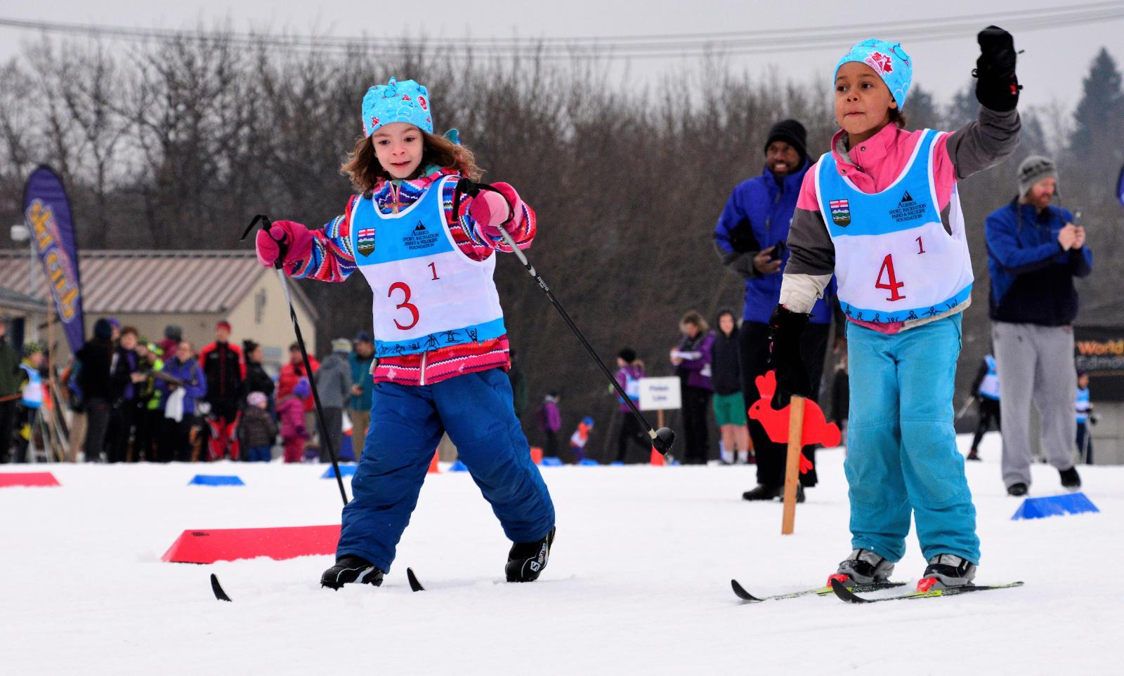 Kids in the JackRabbits ski program